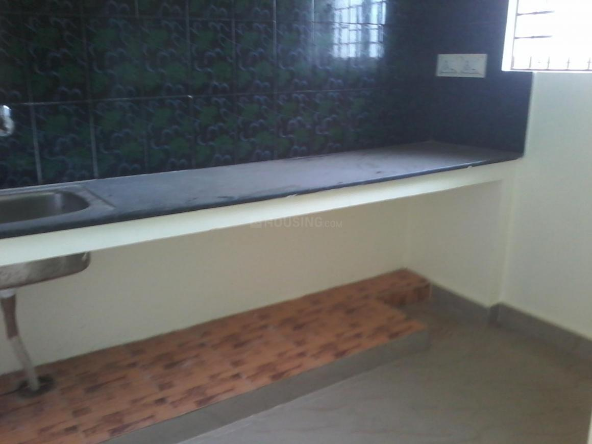 Kitchen Image of 640 Sq.ft 1 BHK Apartment for buy in Kolathur for 2600000