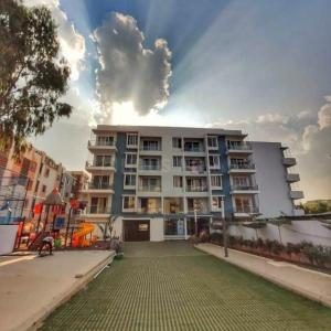 Gallery Cover Image of 1571 Sq.ft 3 BHK Apartment for rent in Vizipa Optima, Doddakannelli for 35000
