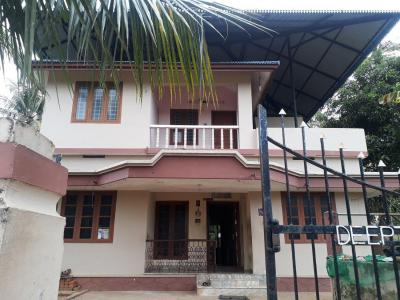 Gallery Cover Image of 1500 Sq.ft 1 BHK Independent House for buy in Pottore for 8000000