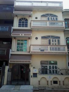 Gallery Cover Image of 500 Sq.ft 1 BHK Independent Floor for rent in Eta 1 Greater Noida for 9000