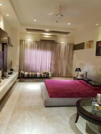 Gallery Cover Image of 2300 Sq.ft 3 BHK Apartment for rent in Mahagun Moderne, Sector 78 for 50000