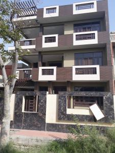 Gallery Cover Image of 9500 Sq.ft 8 BHK Independent House for buy in Sigma I for 22500000