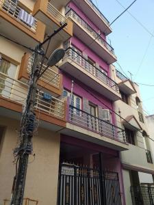 Gallery Cover Image of 600 Sq.ft 2 BHK Independent Floor for rent in R. T. Nagar for 11000