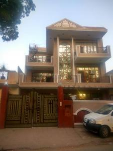 Building Image of Girls PG in Patel Nagar