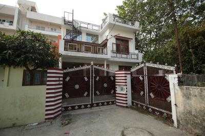 Gallery Cover Image of 2000 Sq.ft 4 BHK Independent House for rent in Balliwala for 25000