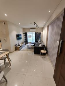 Gallery Cover Image of 750 Sq.ft 1 BHK Apartment for buy in Arkade Earth Wing Ebony, Kanjurmarg East for 12000000