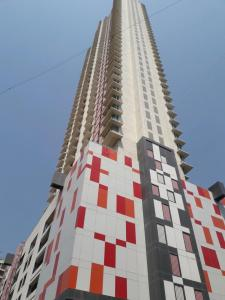 Gallery Cover Image of 2200 Sq.ft 4 BHK Apartment for buy in Goregaon East for 38500000