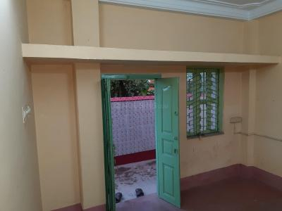 Gallery Cover Image of 500 Sq.ft 1 BHK Independent House for rent in South Dum Dum for 6500