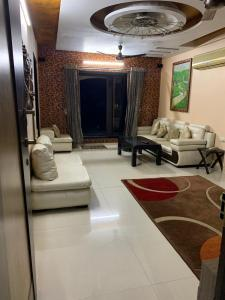Gallery Cover Image of 1800 Sq.ft 3 BHK Apartment for rent in C Teja Akash Leela, Nerul for 68000