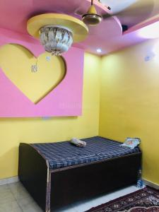 Gallery Cover Image of 300 Sq.ft 1 RK Independent Floor for rent in Sector 3 Rohini for 9000