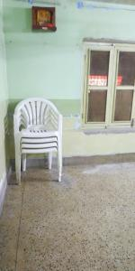 Gallery Cover Image of 600 Sq.ft 2 BHK Apartment for rent in Jorasanko for 15000
