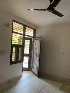 Gallery Cover Image of 430 Sq.ft 1 RK Independent Floor for rent in Sector 19 Dwarka for 8000