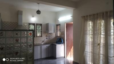 Gallery Cover Image of 950 Sq.ft 2 BHK Independent House for rent in Neelankarai for 21000