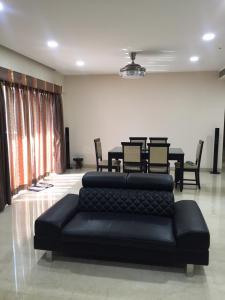 Gallery Cover Image of 2515 Sq.ft 3 BHK Apartment for buy in Hadapsar for 22550000
