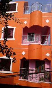 Gallery Cover Image of 650 Sq.ft 2 BHK Independent House for rent in Jafferkhanpet for 12000