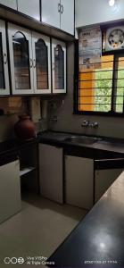 Gallery Cover Image of 980 Sq.ft 2 BHK Apartment for rent in Thane West for 35000