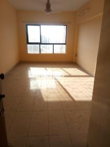 Gallery Cover Image of 930 Sq.ft 2 BHK Apartment for buy in Lokhandwala Riviera Tower, Kandivali East for 15000000