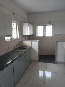 Gallery Cover Image of 1600 Sq.ft 3 BHK Apartment for rent in Mahadevapura for 36000