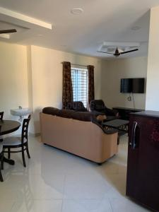 Gallery Cover Image of 1606 Sq.ft 3 BHK Independent House for buy in Manapakkam for 9834500
