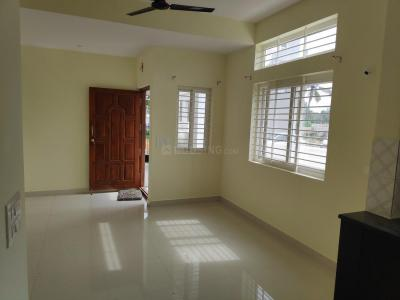 Gallery Cover Image of 820 Sq.ft 2 BHK Independent House for rent in Mullur for 13000