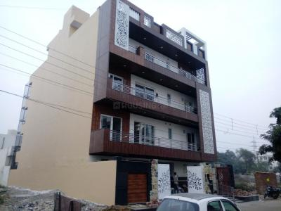 Gallery Cover Image of 2900 Sq.ft 4 BHK Independent Floor for rent in Sector 57 for 60000