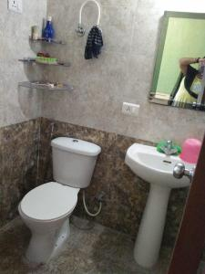 Gallery Cover Image of 1008 Sq.ft 3 BHK Independent House for rent in Niti Khand for 15000