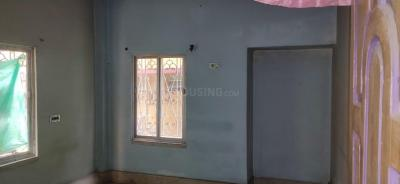 Gallery Cover Image of 1050 Sq.ft 3 BHK Independent Floor for rent in Barrackpore for 9000