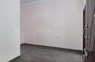 Gallery Cover Image of 800 Sq.ft 1 BHK Independent House for rent in Adugodi for 15400
