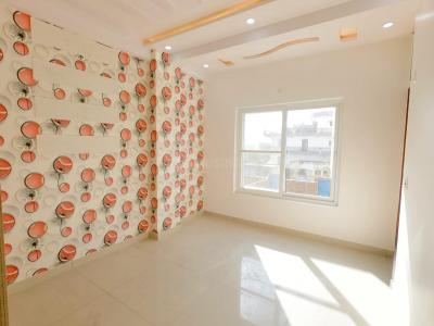 Gallery Cover Image of 900 Sq.ft 3 BHK Independent Floor for rent in Sector 24 Rohini for 15000
