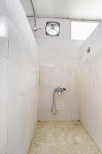 Bathroom Image of Stanza Living Syracuse House in Narsingi