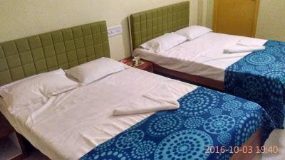 Gallery Cover Image of 375 Sq.ft 1 RK Apartment for rent in South Dum Dum for 10000