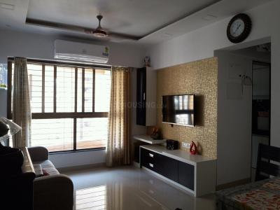 Gallery Cover Image of 650 Sq.ft 1 BHK Apartment for buy in Thane West for 7200000