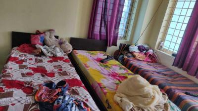 एचबीआर लेआउट में स्यारण्य लक्ज़री पीजी में बेडरूम की तस्वीर