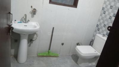 Bathroom Image of Sobit Girls PG in Sector 40