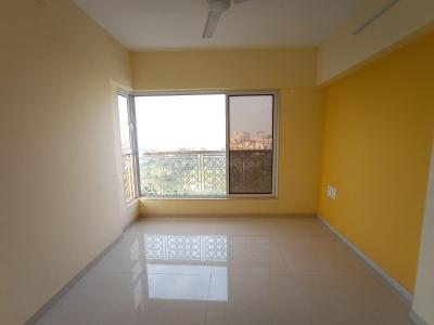 Gallery Cover Image of 950 Sq.ft 2 BHK Apartment for rent in Romell Empress C Wing, Borivali West for 36000