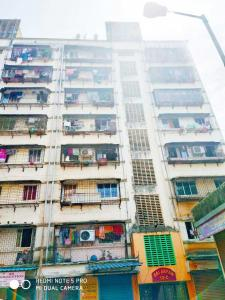 Gallery Cover Image of 258 Sq.ft 1 RK Apartment for buy in Jogeshwari East for 4200000