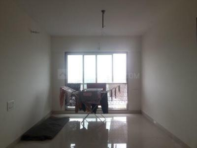 Gallery Cover Image of 1200 Sq.ft 2 BHK Apartment for rent in Reliable Vasundhara CHS Ltd Phase II A and B Wing, Goregaon West for 35000