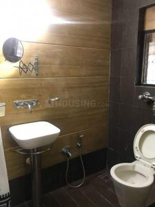Gallery Cover Image of 800 Sq.ft 2 BHK Apartment for rent in Andheri West for 48000