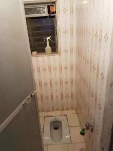 Bathroom Image of Kalina PG Girls Bedspace in Santacruz East