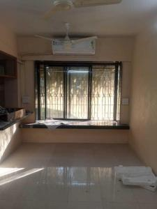 Gallery Cover Image of 700 Sq.ft 1 BHK Apartment for rent in Noorani Apartments, Bandra West for 55000