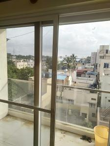 Gallery Cover Image of 1150 Sq.ft 2 BHK Apartment for rent in Bennigana Halli for 25000