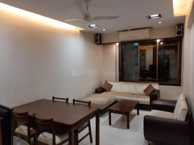 Gallery Cover Image of 1000 Sq.ft 2 BHK Apartment for rent in Khar friend's, Khar West for 75000