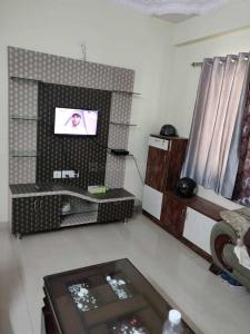 Gallery Cover Image of 1200 Sq.ft 2 BHK Apartment for rent in Abhaya SV Meadows, Kaggadasapura for 25000