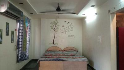 Gallery Cover Image of 450 Sq.ft 1 BHK Apartment for rent in Pitampura for 15000