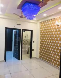 Gallery Cover Image of 401 Sq.ft 1 BHK Independent Floor for buy in Dwarka Mor for 1600014