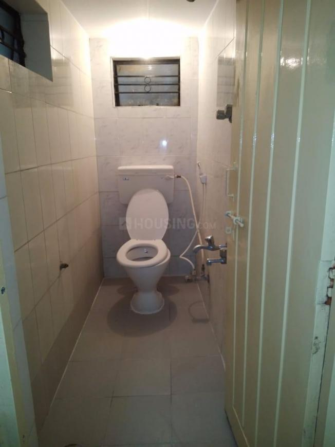 Common Bathroom Image of 700 Sq.ft 2 BHK Apartment for rent in Thippasandra for 20000