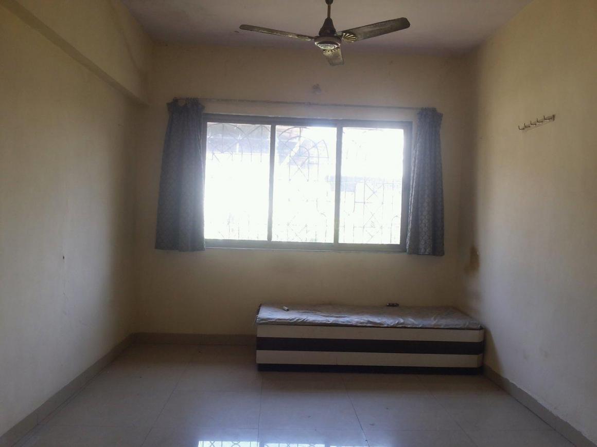 Living Room Image of 650 Sq.ft 1 BHK Apartment for rent in Kopar Khairane for 17000