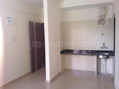 Gallery Cover Image of 400 Sq.ft 1 BHK Apartment for rent in Kandivali East for 17000
