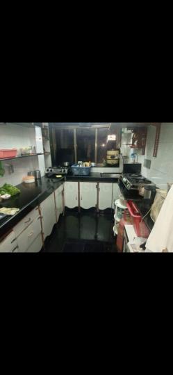 अंधेरी ईस्ट में सेकंड हाउस के किचन की तस्वीर
