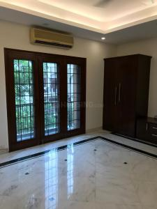 Gallery Cover Image of 7500 Sq.ft 6 BHK Villa for buy in New Friends Colony for 150000000